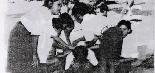 Siswa -Siswa Siap Melakukan Permainan Cublak-cublak Suweng